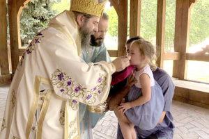 Slujire La Paraclisul Românesc Din Otlaca Pustă, în Ajunul Praznicului Schimbării La Față A Domnului